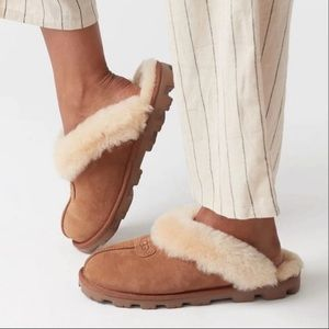 UGG🍂🍁Coquette Slippers chestnut size 7